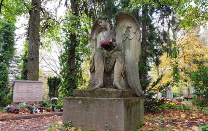 Weimar Hauptfriedhof Grabmal des Architekten Rudolf Zapfe