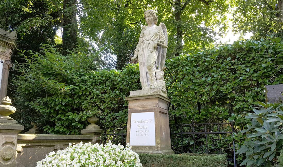 Grabstein Engel Einzelgrabstelle Sandstein Köln Melatenfriedhof
