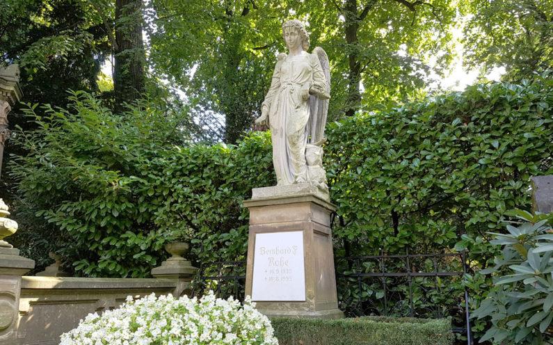 Köln Melatenfriedhof Grabstätte Rohe - 2