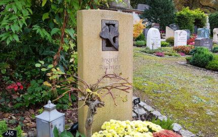 Saalfeld Hauptfriedhof Urnengrab Richter
