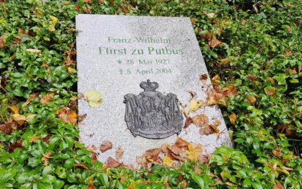 Vilmnitz  St. Maria Magdalena Friedhof Einzelgrabmal Franz Wilhelm Fürst zu Putbus