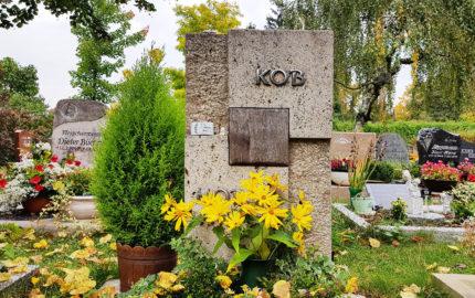 Saalfeld Hauptfriedhof Grabmal Kob