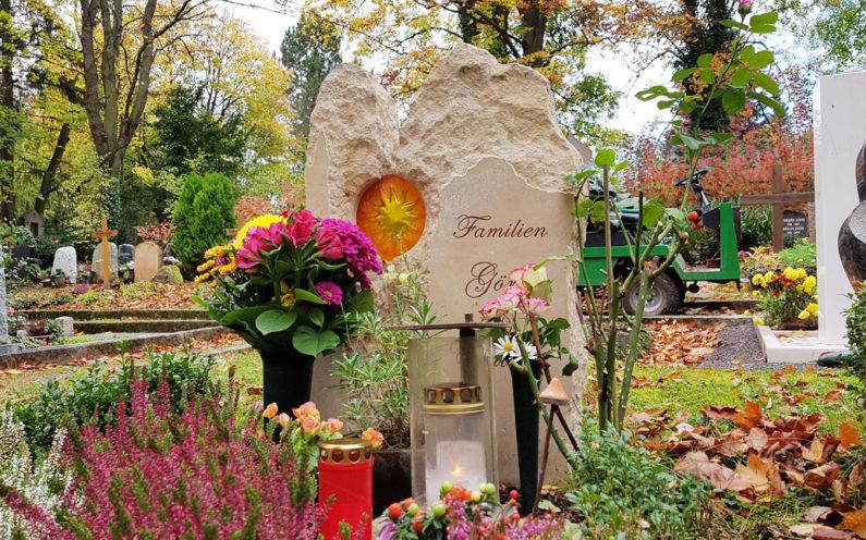 Weimar Hauptfriedhof Grabmal Görk & Einicke - 0