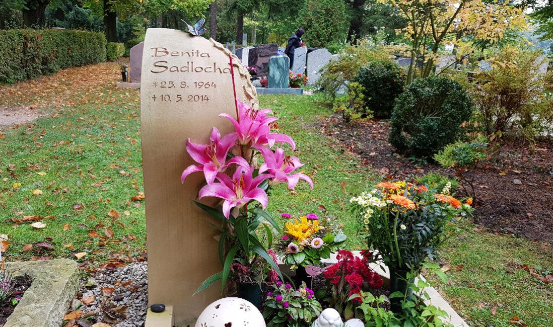 Urnengrab Grabstein Gestaltung Friedhof Saalfeld Thüringen