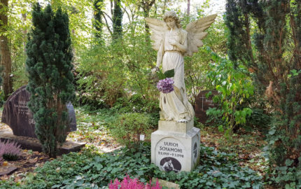 Berlin Waldfriedhof Zehlendorf Grabengel Ulrich Schamoni