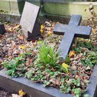 Grabstein Weimar Hauptfriedhof Kreuz