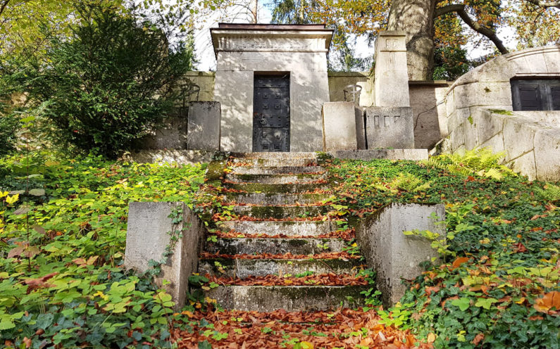 Weimar Hauptfriedhof Mausoleum Carl Frithjof Smith - 2