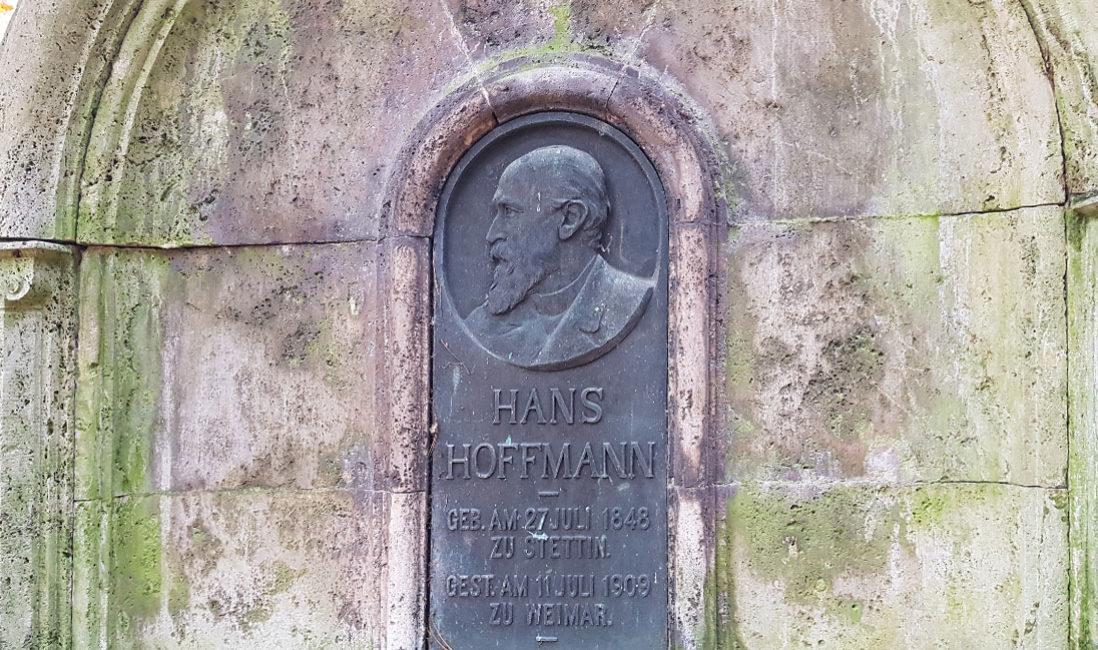 berühmt Einzelgrab Grabstein Hans Hoffmann Kalkstein Hauptfriedhof Weimar Detail