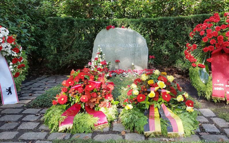 Berlin Waldfriedhof Zehlendorf Gedenkstätte Willy Brandt - 1