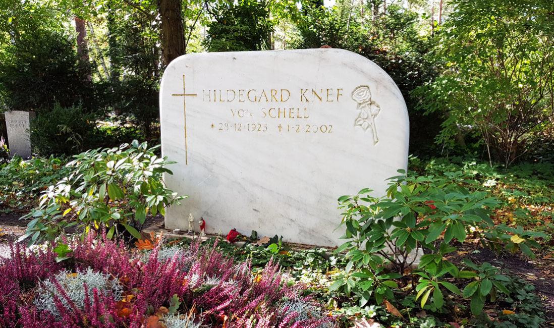 Grabstätte  Grabstein Marmor Hildegard Knef Berlin Waldfriedhof Zehlendorf Nähe Grabgestaltung