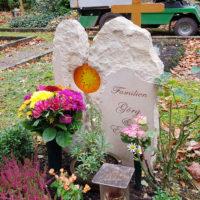 Urnengrabstätte Herbst Gestaltung Bepflanzung Sandstein Urnengrabstein Weimar