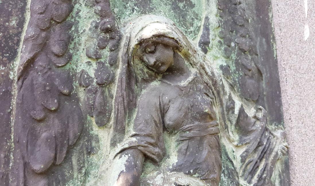 historisch Grabstein Einzelgrab Carl Röder Granit Hauptfriedhof Greiz Bronzefigur