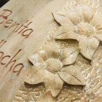 Sandstein Grabstein gestalten Beispiel Blüten Blumem Ornament