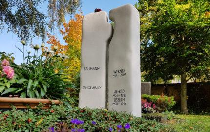 Zeulenroda Hauptfriedhof Grabmal Sengewald