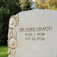 Grabmal Sonnenblume Sandstein Grabinschrift Beispiel Idee vertieft gehauen