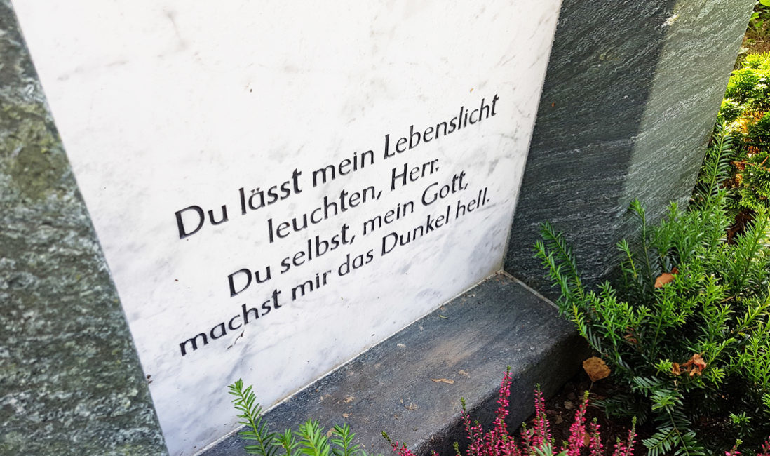 Grabspruch für Grabstein Grabsteinspruch christlich religiös Gott Beispiel