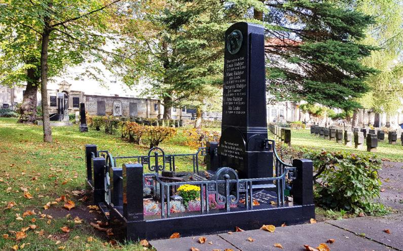 Gera Südfriedhof Familiengrabanlage Rüdiger - 2