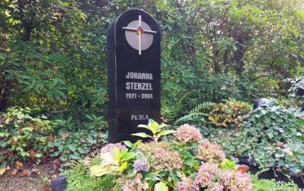 Gera Südfriedhof Einzelgrabstein Stenzel