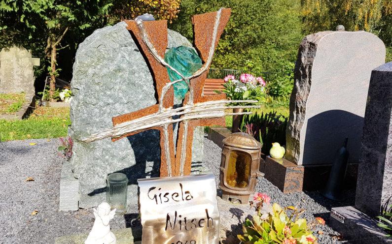 Greiz Hauptfriedhof Grabstein Nitsch - 1