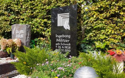 Zeulenroda Hauptfriedhof Grabmal Militzer
