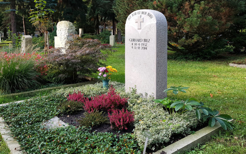 Dresden Trinitatisfriedhof Grabmal Bilz