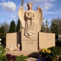 Grabgestaltung Doppelgräber Familiengräber Engel Friedhofsengel Grabengel Steinmetz Friedhof Willich