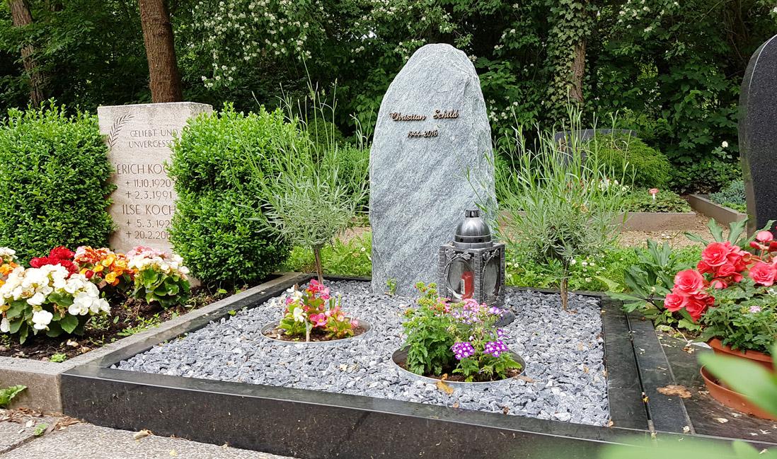 erfurt hauptfriedhof grabmal schild stilvolle grabsteine. Black Bedroom Furniture Sets. Home Design Ideas