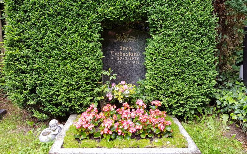 Cospeda Friedhof Grabstein Liebeskind - 1