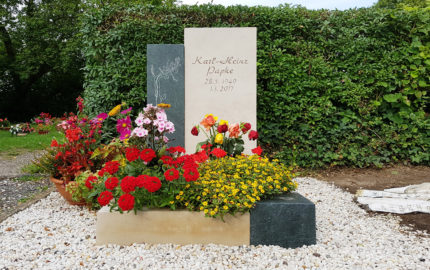 Neustadt an der Orla Friedhof Grabmal Papke
