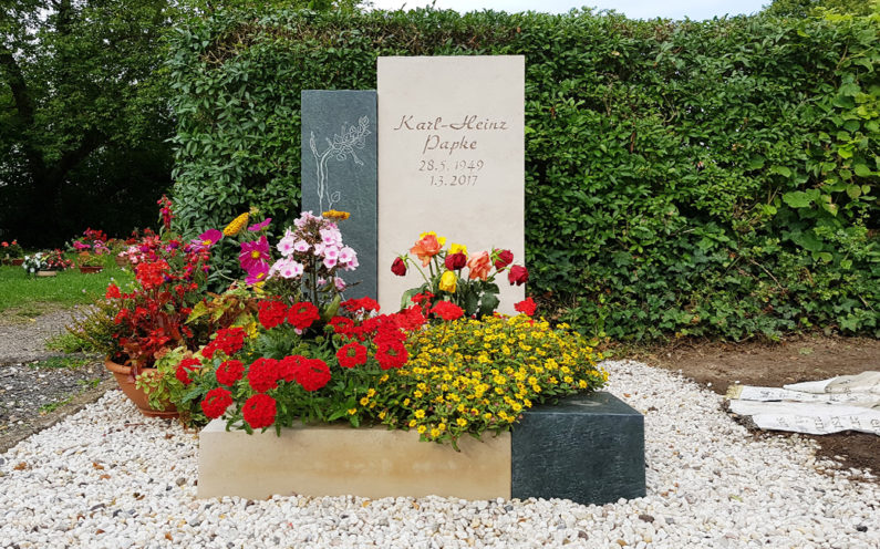 Neustadt an der Orla Friedhof Grabmal Papke - 1
