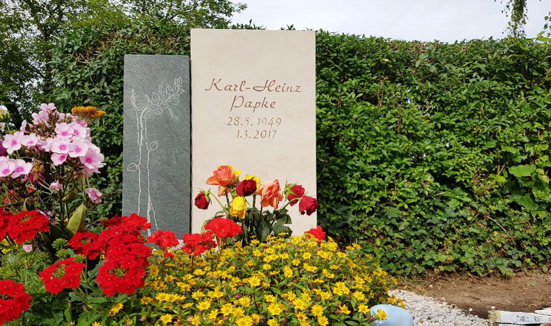 Grabstein Urnengrab Kalkstein Granit Baum Gravur Grabbepflanzung Sommer pflegeleicht Friedhof Neustadt Orla