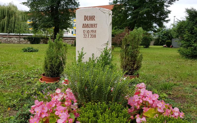 Neustadt an der Orla Friedhof Grabmal Duhr - 1