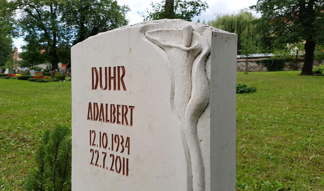 Grabmal Einzelgrab Kalkstein Symbol Blume Steinmetz Idee