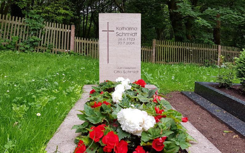 Cospeda Friedhof Grabmal Schmidt - 1