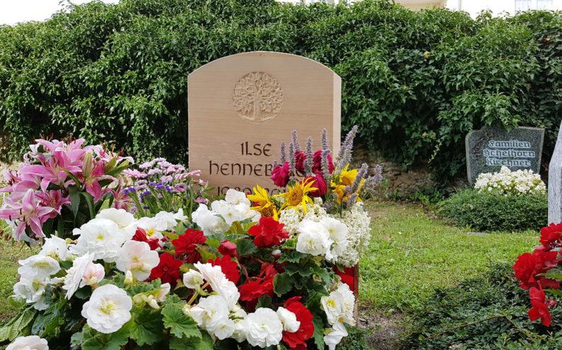 Neustadt an der Orla Friedhof Grabmal Hirsch - 1