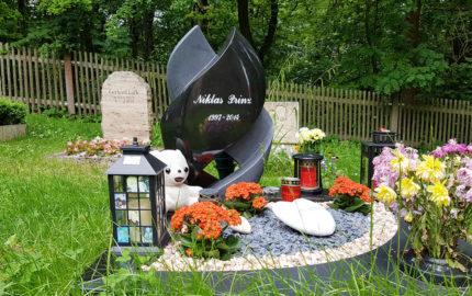 Cospeda Friedhof Grabmal Prinz