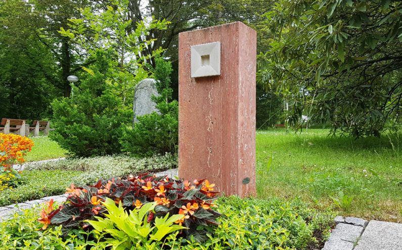 Erfurt Hauptfriedhof Mustergrabstein Grabmale am Hauptfriedhof GmbH - 1