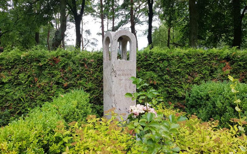 Petershagen evangelischer Friedhof Grabmal Brückner
