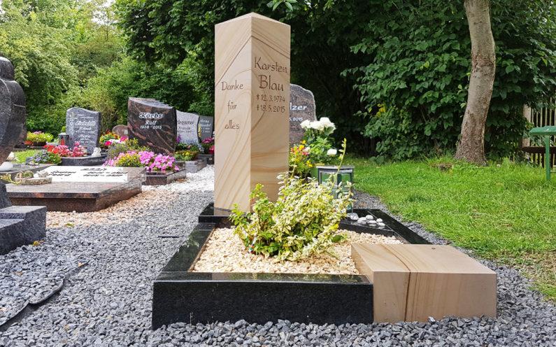 Neustadt an der Orla Friedhof Grabmal Blau - 1