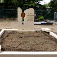 Grabsteine mit Einfassung Doppelgräber