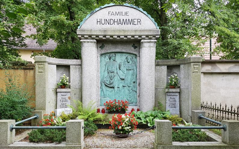 Neustadt an der Orla historische Grabanlage Hundhammer - 2