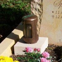 Kindergrablaterne-Kindergrablampe-Kindergrablicht-Grabgestaltung-Kindergrab