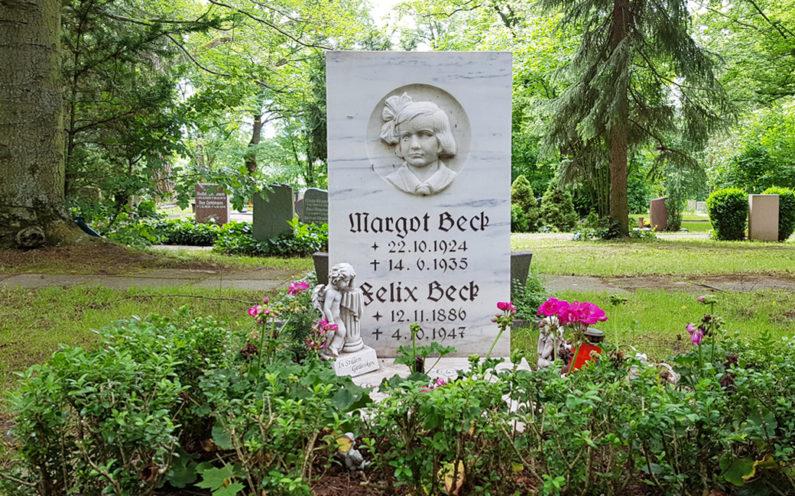 Erfurt Hauptfriedhof Grabstein Beck - 1