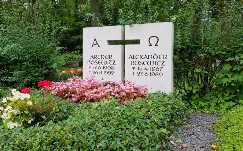 Neustadt an der Orla Friedhof Grabmal Bosewitz - 1