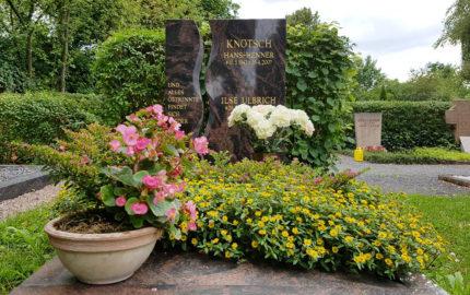 Neustadt an der Orla Evangelischer Friedhof Grabmal Knötsch