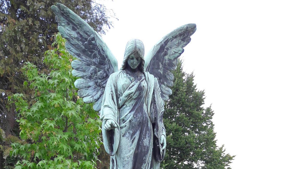 Familiengrabstein Grabengel Bronze Grabgestaltung historisch Sasbach Friedhof