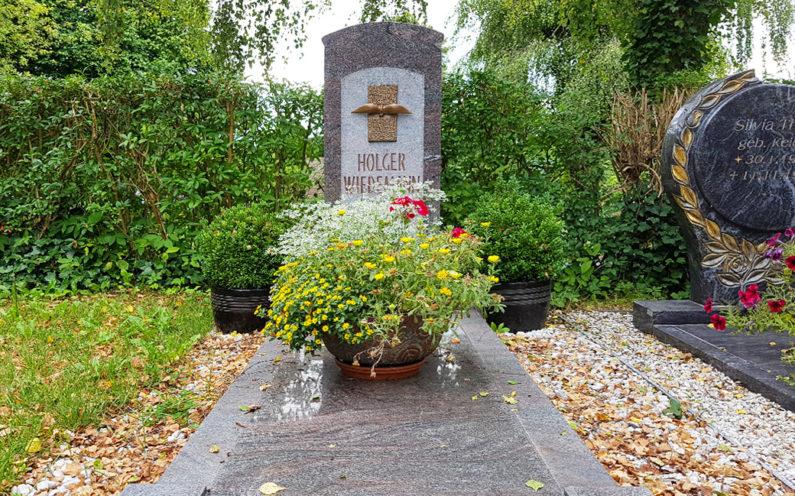Neustadt an der Orla Friedhof Grabmal Wiedemann - 1