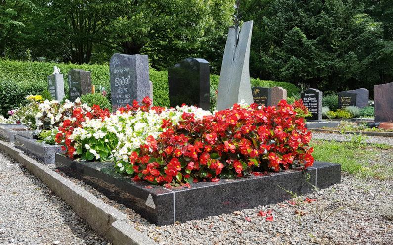 Weida Friedhof Grabmal Weiser