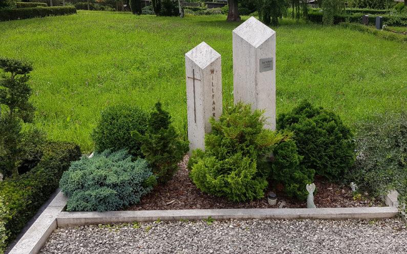 Weida Friedhof Grabmal Willfahrt - 1