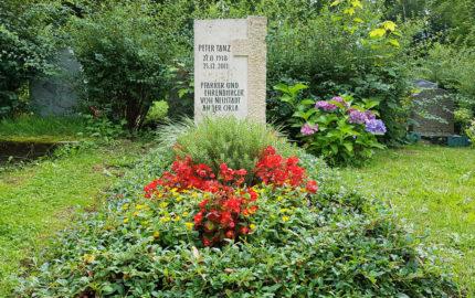 Neustadt an der Orla Friedhof Grabmal Tanz